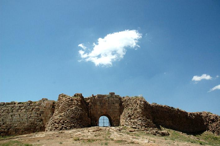 محوطه تاریخی تخت سلیمان