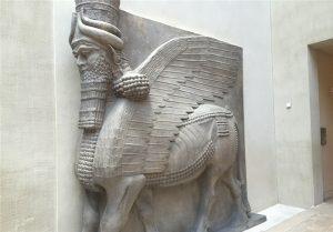مجسمههای سنگی اسب بالدار