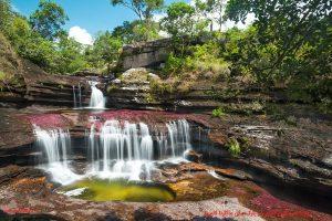 رودخانه رنگین کمان در پارک ملی ماکارنا کلمبیا